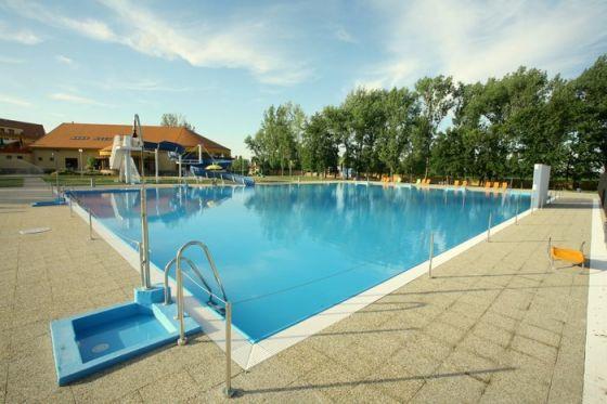 vonkajsi letny bazen - kupalisko patince