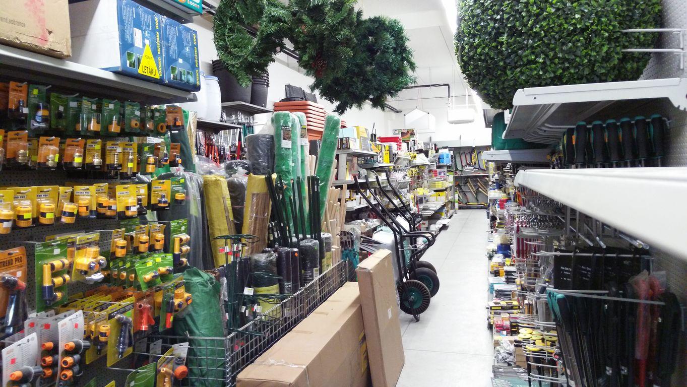 5b52ffc3b8f1a Farmár&Majster - všetko pre vašu záhradu, stavbu, dielňu a domácnosť ...